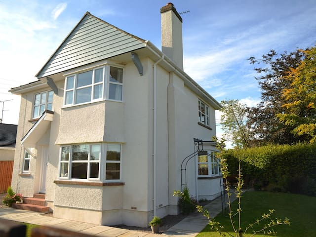 MARGATE HOUSE, family friendly in Pooley Bridge, Ref 972677