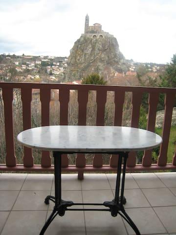Joli appartement à 5 min à pied du centre ville - Le Puy - Apartamento