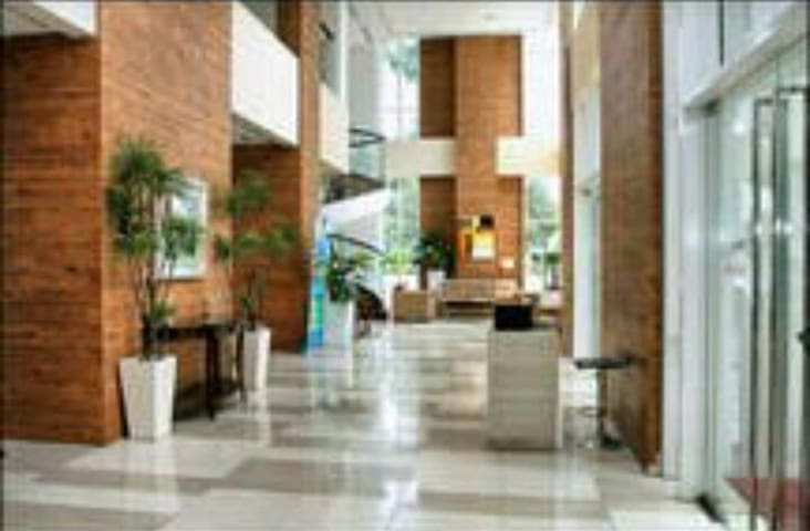 STUDIO - WALK TO MALL & TAXI STAND - Jakarta  - Apartment