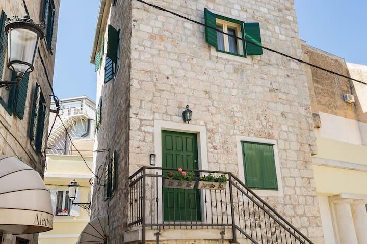 Old Town Duplex apartment in the center of Split - Split - Wohnung