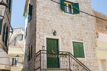 Appartamento su due piani in centro
