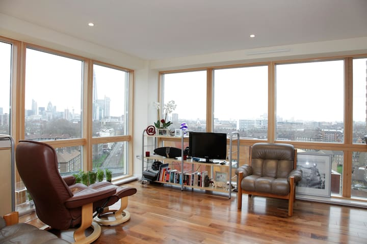 Amazing view 2bed Zone1 central