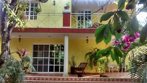 Villa a 10 minutos de valladolid Yucatán México