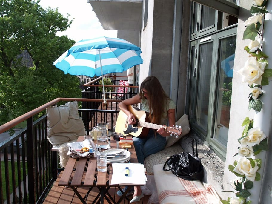 Sing a song on the balcony