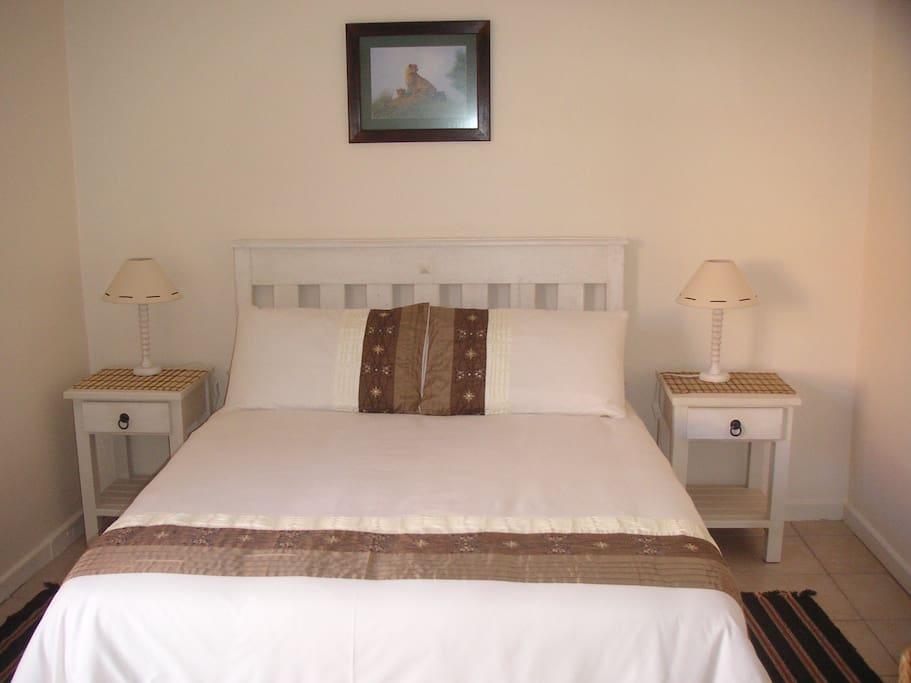 Room 2 with en-Suite bathroom