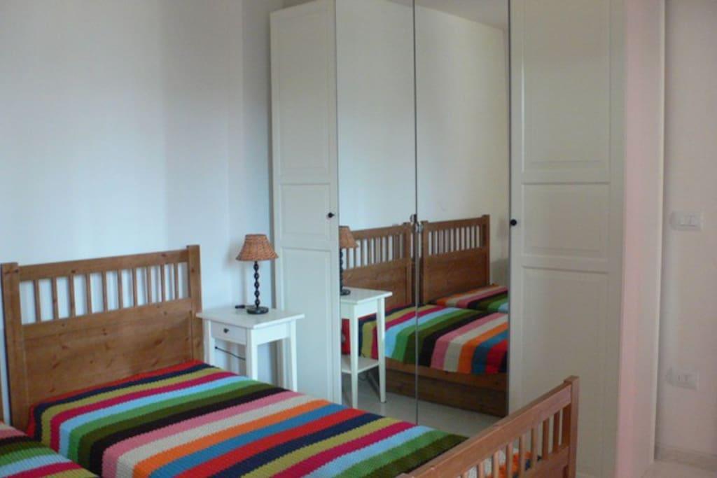 armadio spazioso nella camera da letto