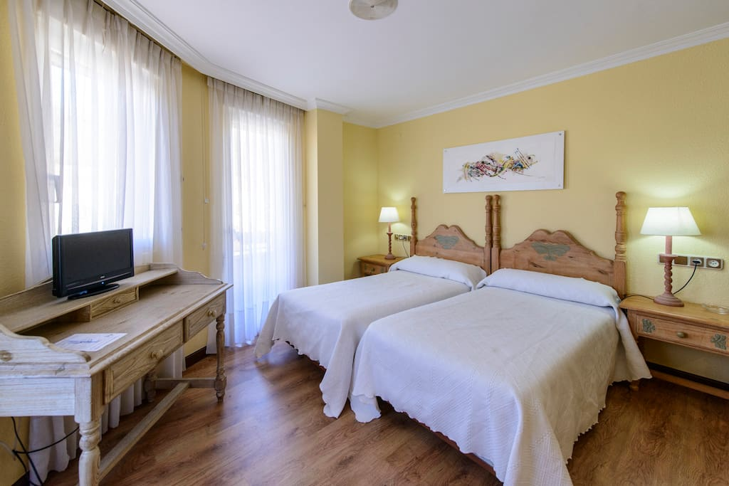 Hotel r o cea chambres d 39 h tes louer puente almuhey for Chambre d hote espagne