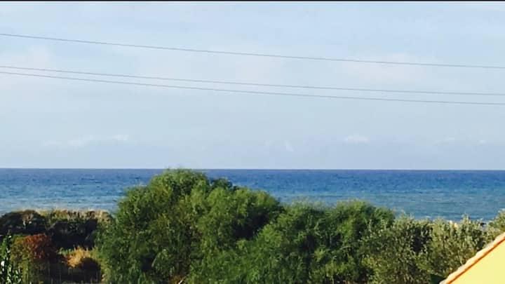 Villa a 150 dalla spiaggia con accesso privato.
