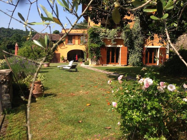 Attico Villa Iris B&B