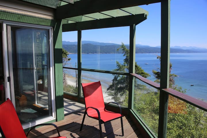 Ocean view vacation apartment - Savary Island, Lund