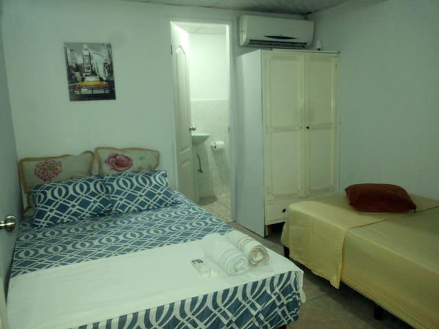 Habitación privada con baño