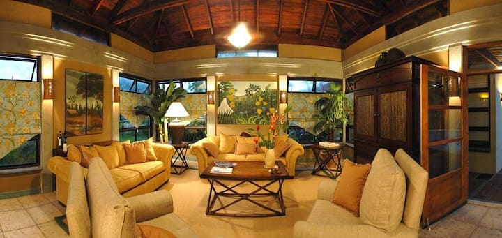 Perfect vacation house close to the beach and town