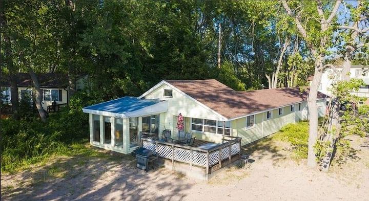 Lake Ontario Beach House Getaway- House #1