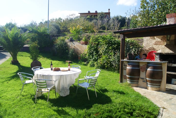 House with 3 bedrooms in Sotoserrano, with wonderful mountain view, terrace and WiFi - 45 km from the slopes