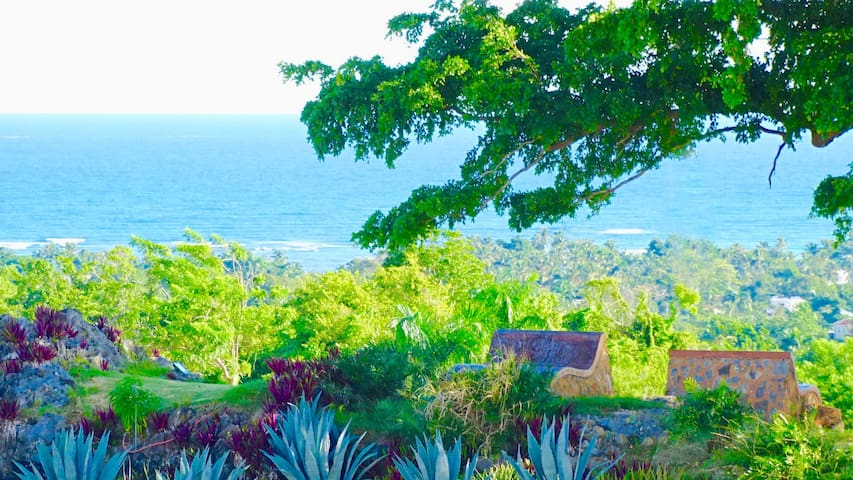 Wow! Seaview AC suite - Rooftop Jacuzzi & Pool