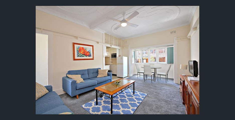 Furnished Bondi Beach Apt - 30 Seconds From Beach - Bondi Beach - Lägenhet