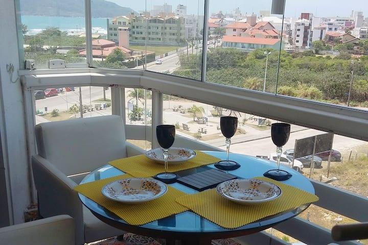 Super Apartamento lindo em Ingleses com vista mar.