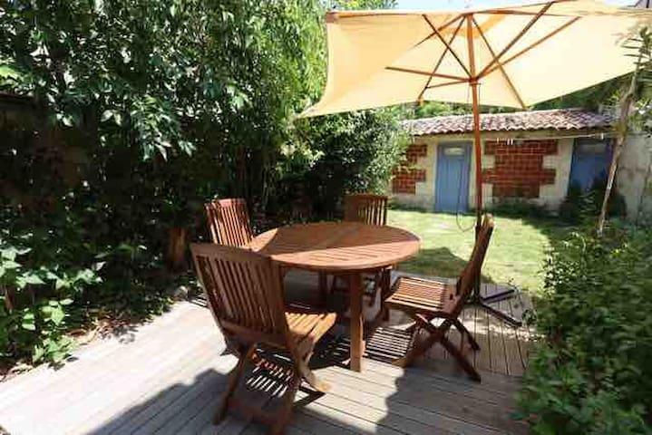 Salon de jardin  Table extensible à 6 personnes