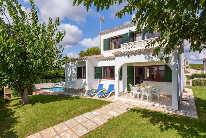 4 bedroom villa in Torre Soli