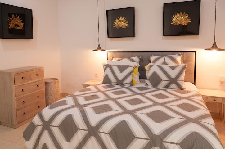 Villa Krystal one bedroom Sanur- huge shared pool
