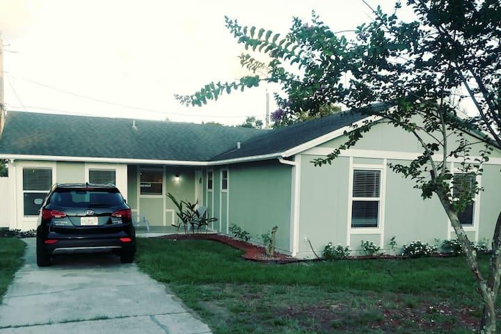 House nearby Orlando & Tampa, USA. WelcomeYourHome