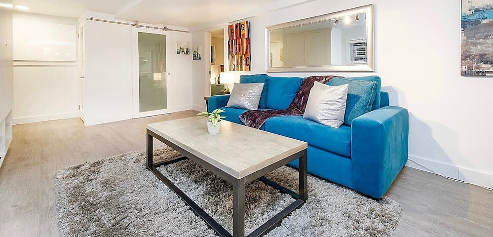 Newly Renovated Suite in Superb Seaside Kitsilano!