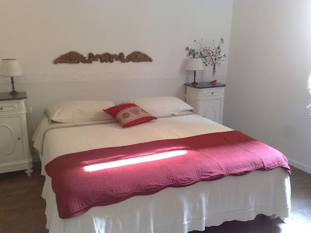 La coccolina B&B Victoria room - Cremolino - Bed & Breakfast