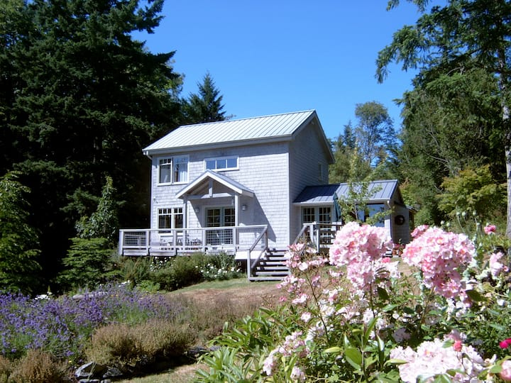 Serene Orcas Island home—Winterpond Guest House
