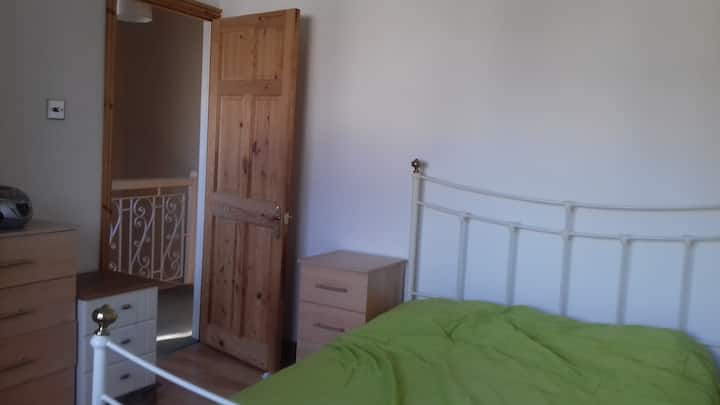 Cosy double room near Romford