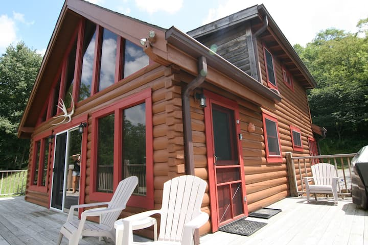 Secluded 3BR Log Cabin! Hot Tub! Waterfall! WIFI!