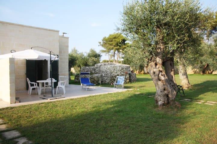 Salento, San Foca, casa vacanze nel verde