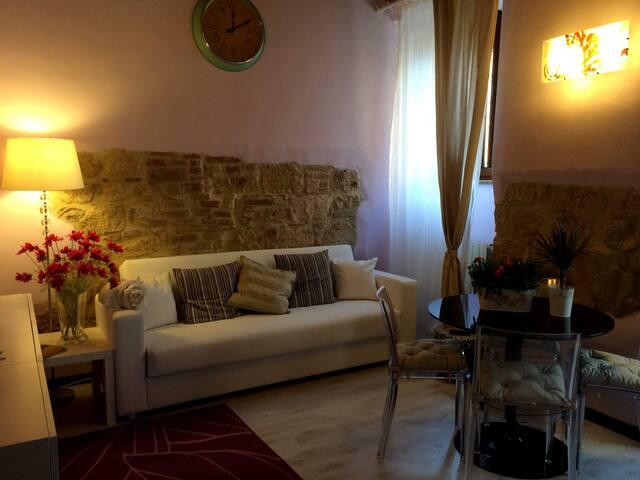CASA VACANZE NEL BORGO MEDIEVALE - Colle di Val d'Elsa - Haus