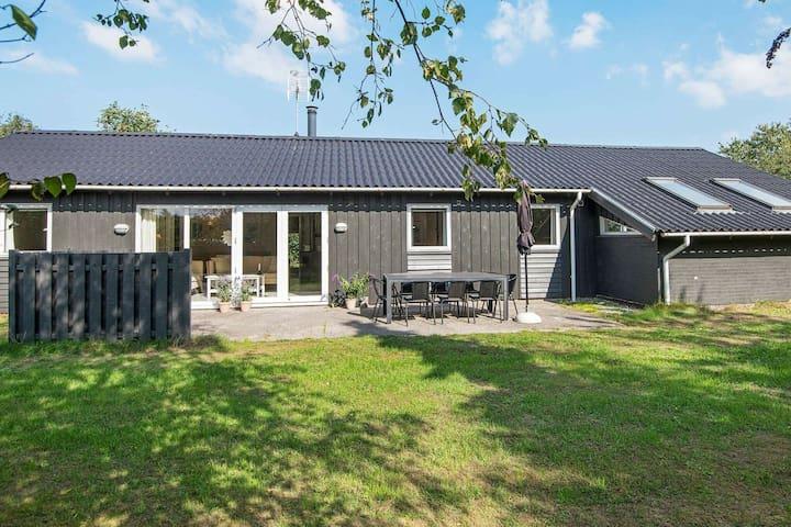Spaziosa casa vacanze con sauna nello Jutland