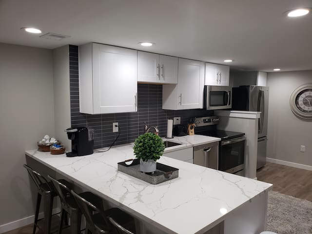 Newly Remodeled 2 bedroom basement in North Tacoma