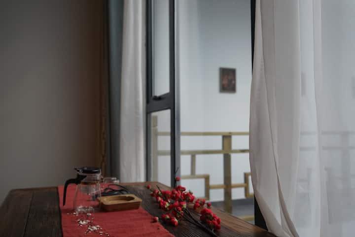 岳麓山/大学城/云南风中式房间/落地窗/汉服体验