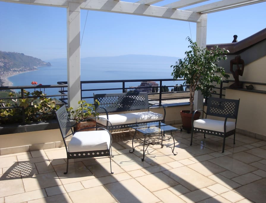 Enormous private terrace with breathtaking views over the coasts of Sicily and mainland Italy