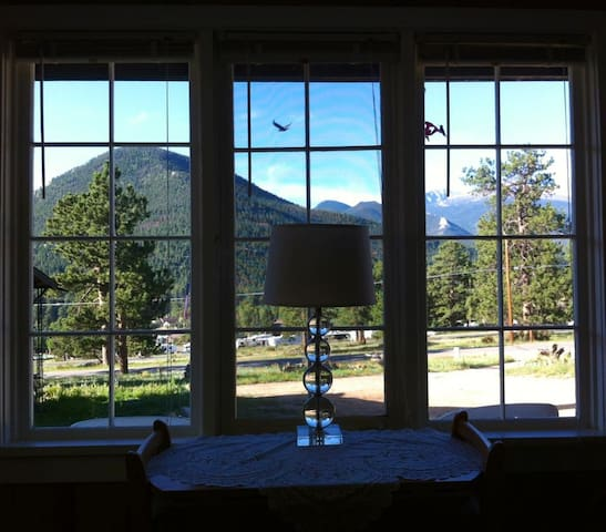 YOUR VIEW SOUTH INTO ROCKY MOUNTAIN NATIONAL PARK FROM THE LIVING ROOM OF ALPENHAVEN ~ EAGLE & BIGFOOT LEGENDS SURROUNDING GIANTTRACK MOUNTAIN,  NO EXTRA CHARGE