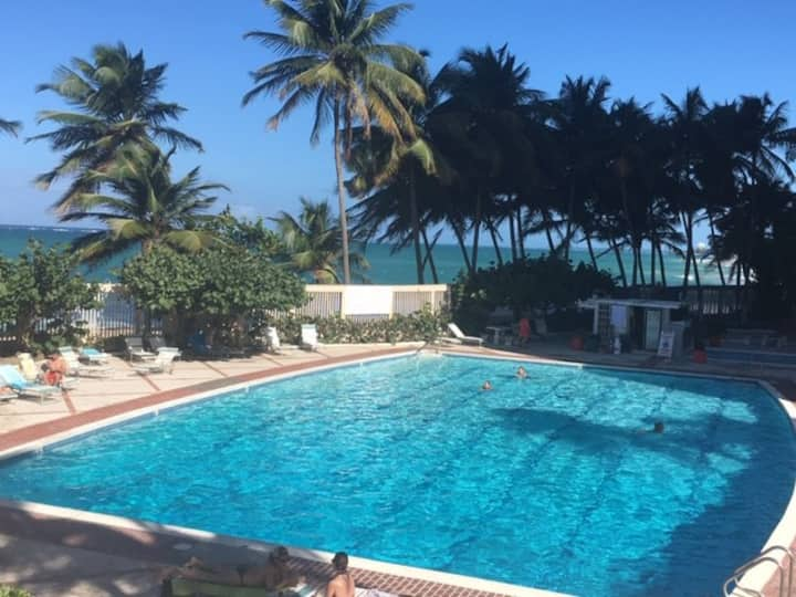 BEACHFRONT OCEANVIEW CHIC CABIN/POOL+GYM+PKG
