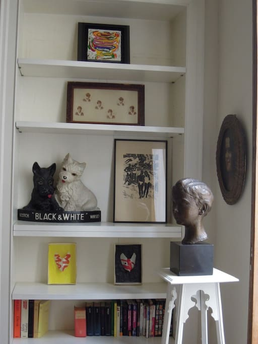 Des photos, peintures et sculptures anciennes