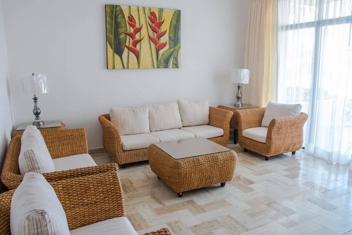 Beautiful Beach Front Villa - Cancún - Villa