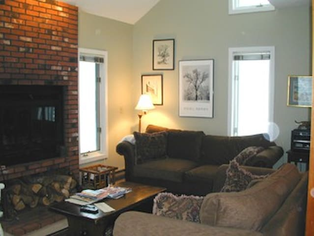 Spring, Summer + Fall Weeks Still Open! SLEEPS 6+ - Waterville Valley - Condominium