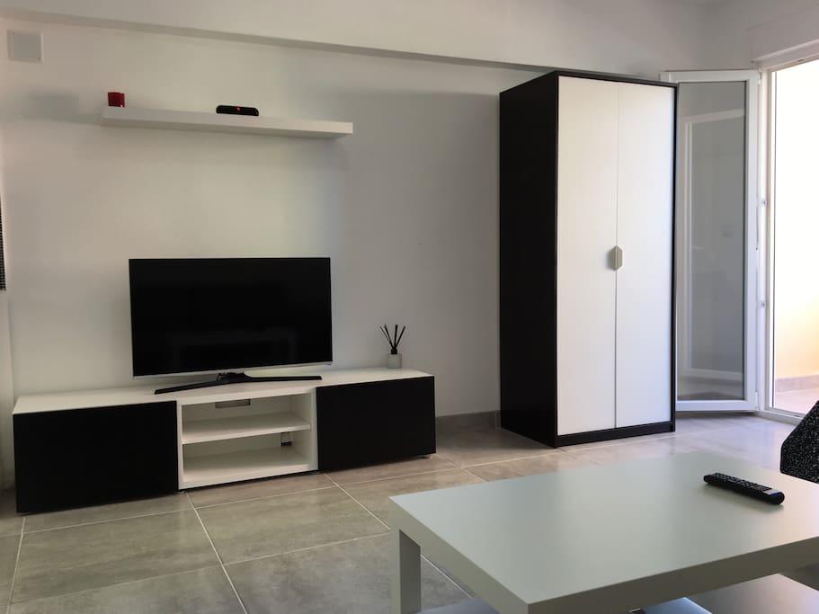 "Salon/Living room Television 42"" pulgadas con usb/ Tv  42"" inches with usb"