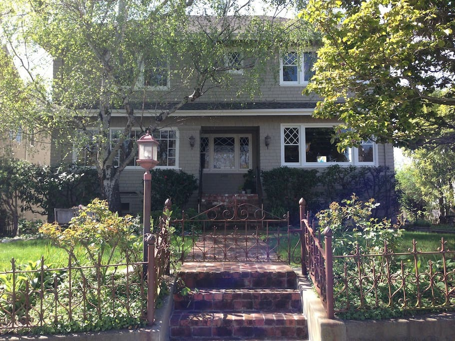 Beautiful Sunny Craftsman Oakland Home Sleeps 6 Houses For Rent In Oakland California