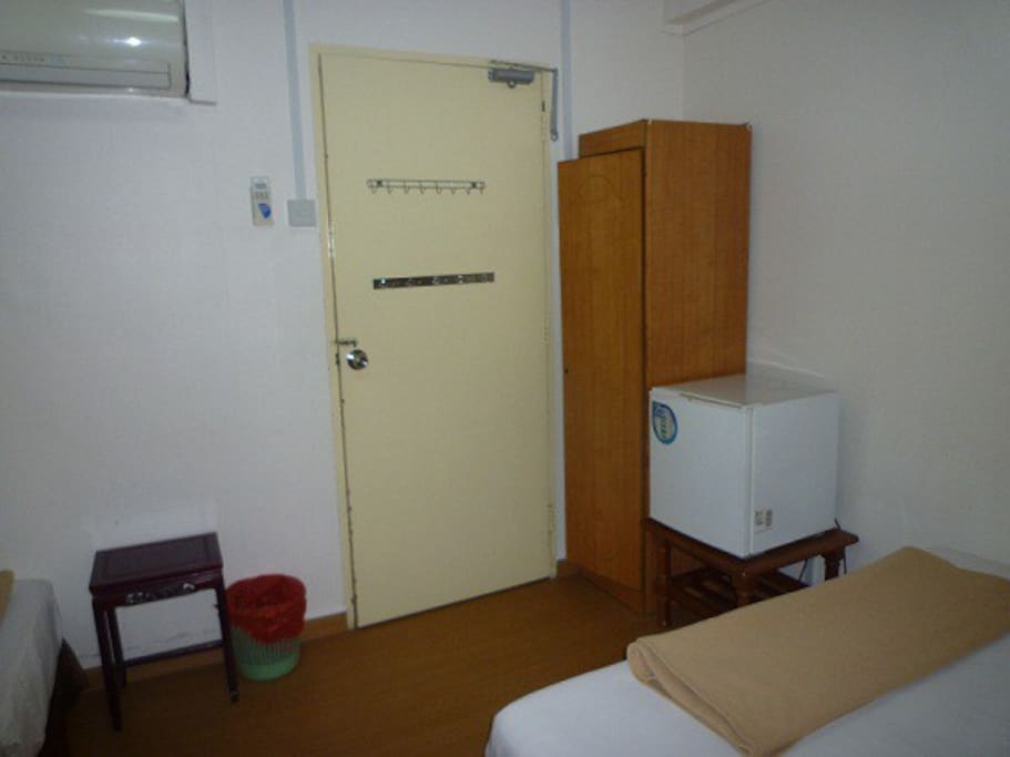 12B - This is the other room with 2 queen beds/cupboard/mini fridge/TV/aircon/dressing table