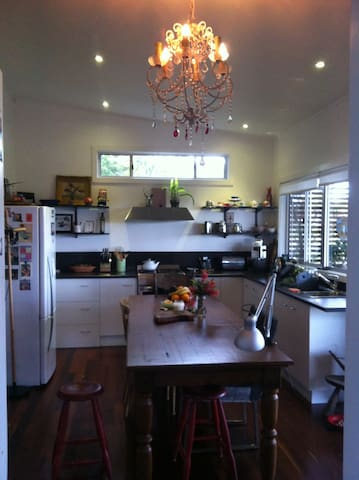 Totally Relax in a sunny arty & comfortable home! - Nambucca Heads - Rumah