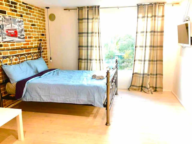 Great Loft close O2, LCY, ExCel,25 min to C.London