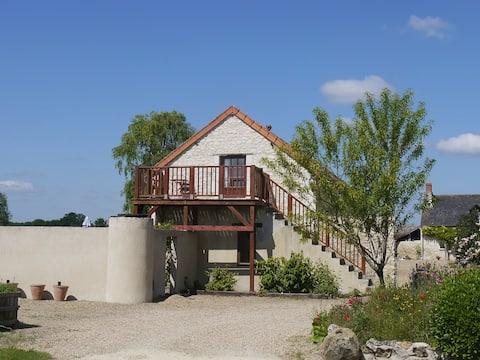 Loire Valley 3* gite, heated pool