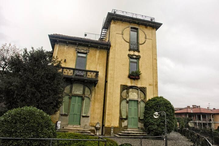 ROOM, GARAGE, TERRACE AND GARDEN - Bergamo - Bed & Breakfast