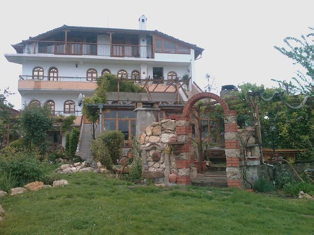 lovely house with beautiful garden - Nesebar Municipality - Casa