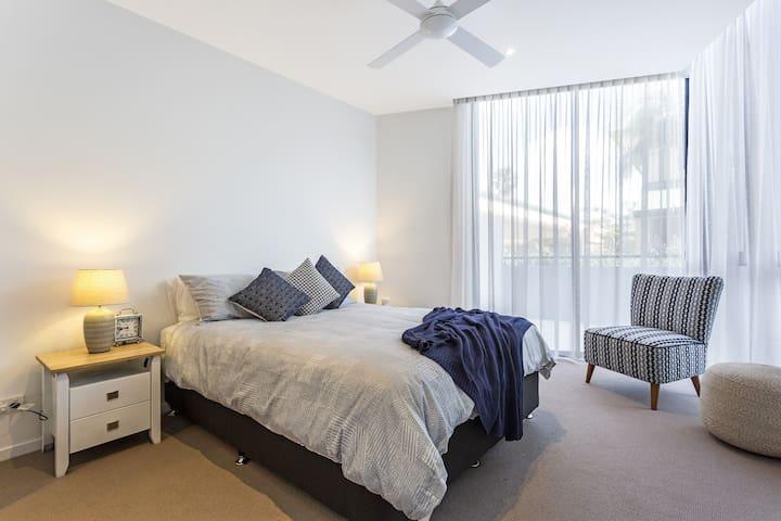 The Jefferson - Beachside apartment